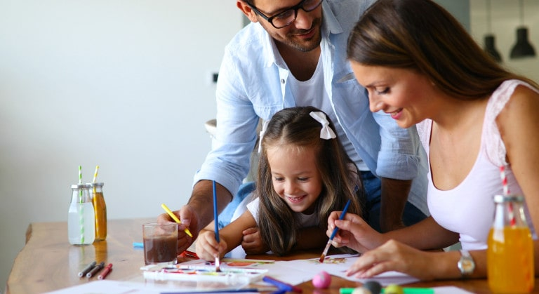 2 Manualidades ecológicas para hacer con niños en casa
